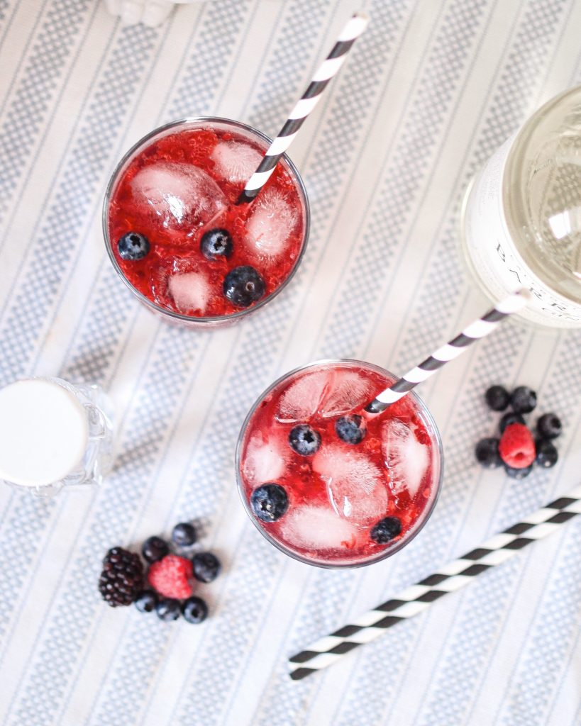 Berry Gin Drink Spring Cocktail Recipe